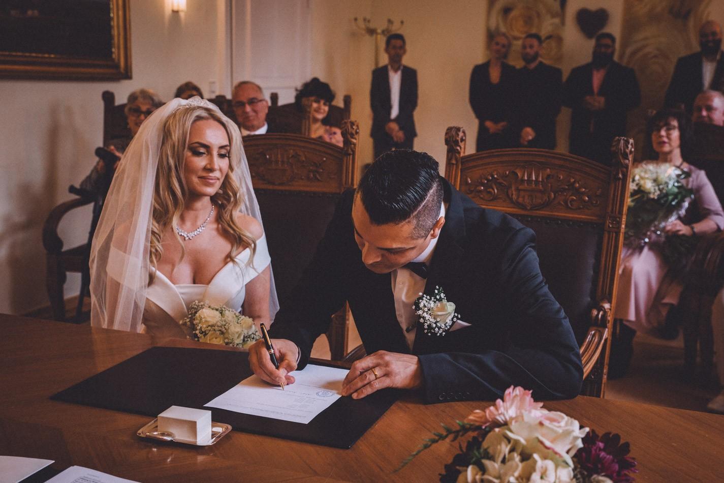 Brautpaar in Altonaer Rathaus