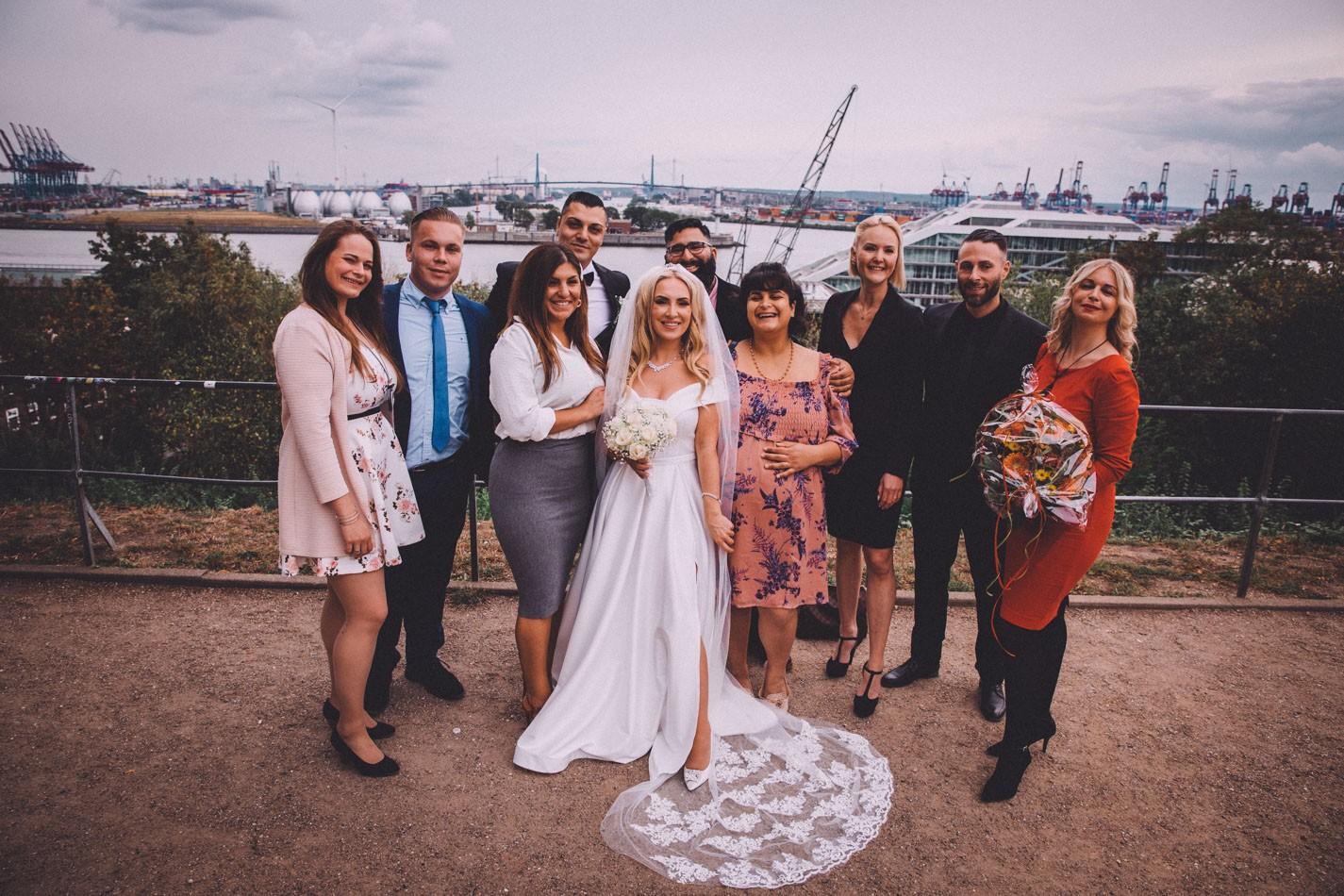 Hochzeitsfotoshooting an der Elbe in Hamburg