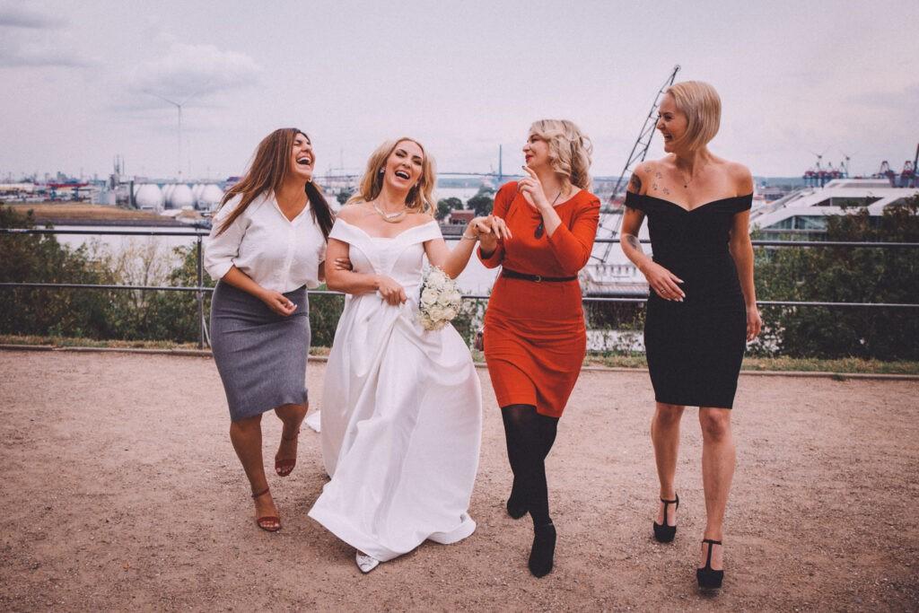 Ideen für lustige Hochzeitsfotos