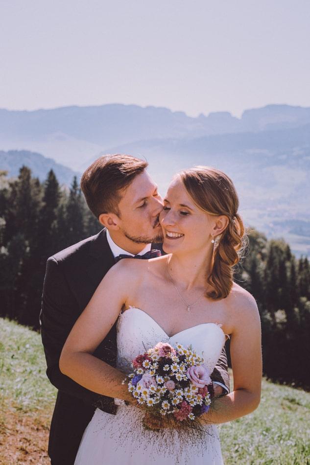 Romantische Hochzeitsfotografie in Appenzell, Schweiz