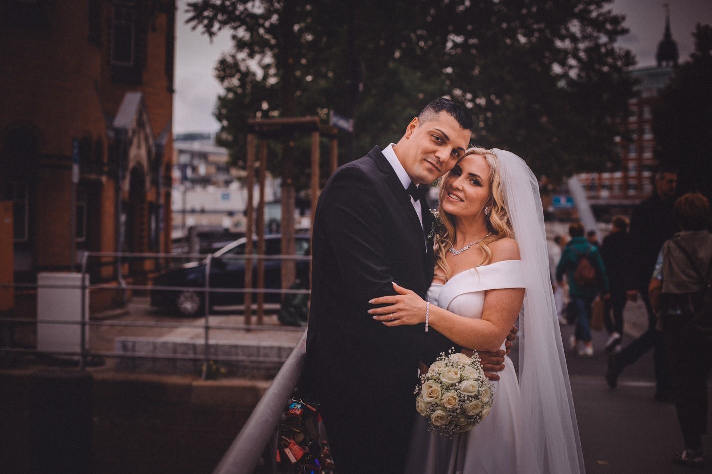 Wilhelminenbrücke Hochzeitsfotoshooting
