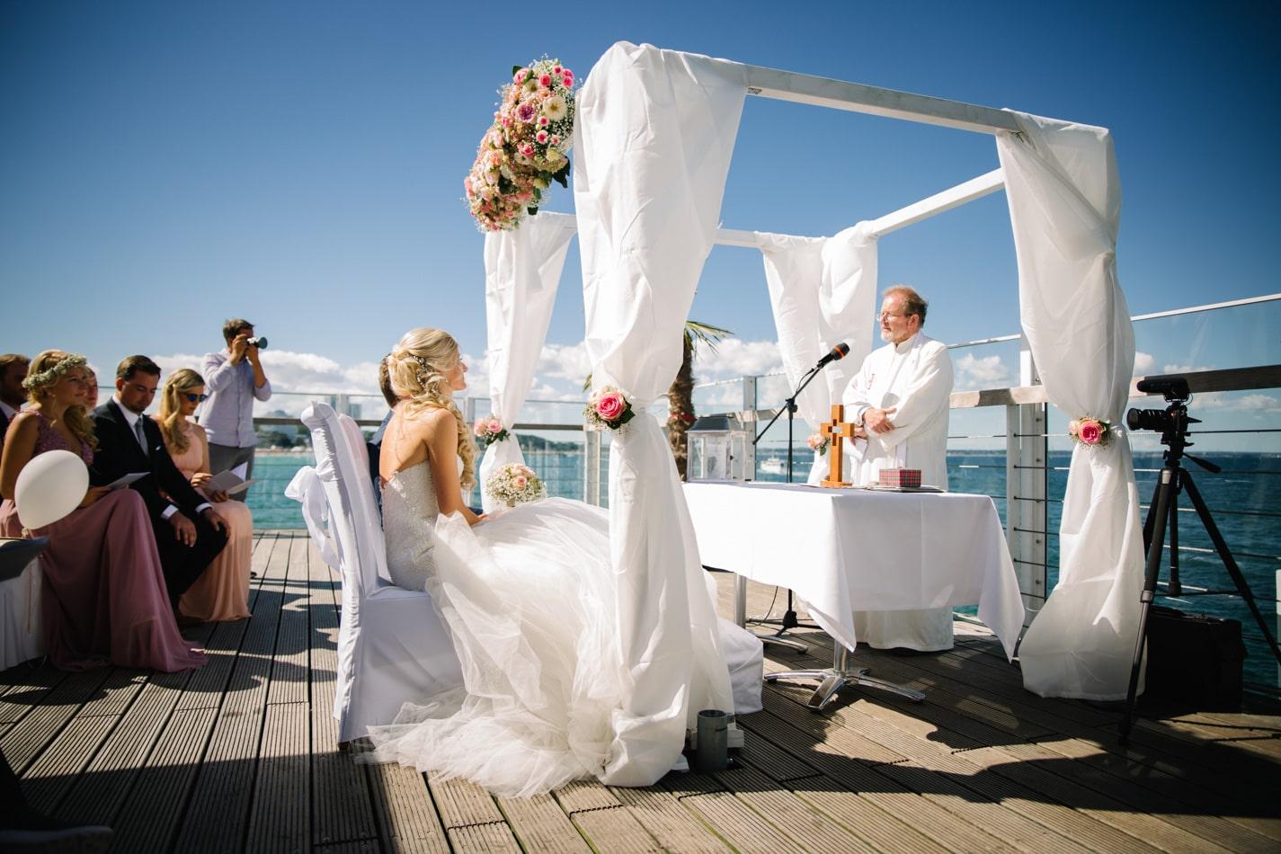 Hochzeit am Timmendorfer Strand im Wolkenlos – Freie Trauung