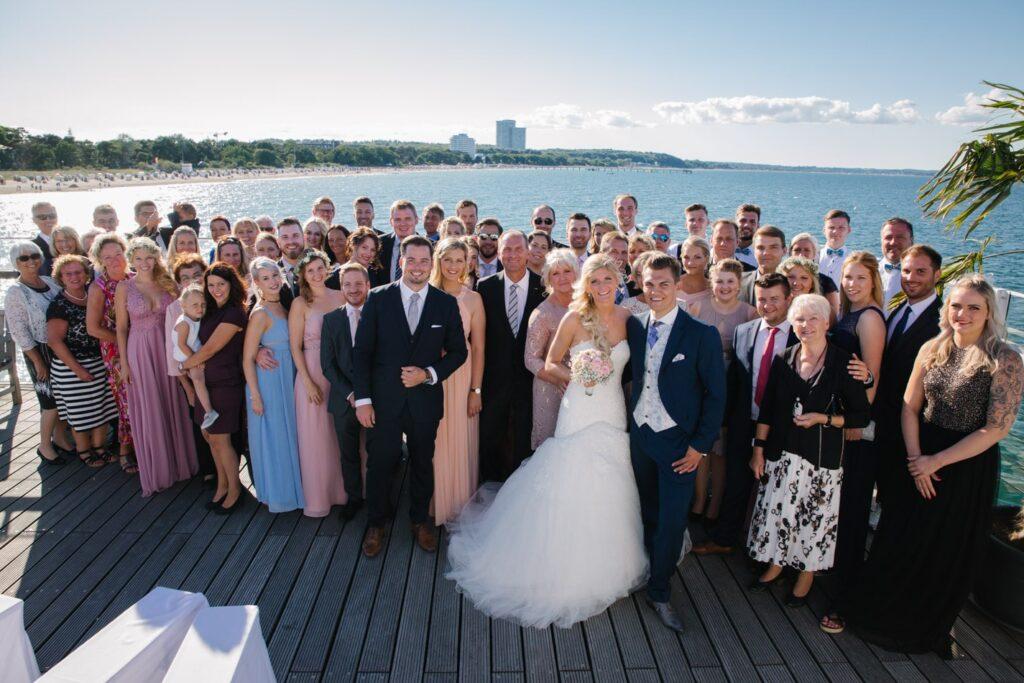 Hochzeitsgäste im Wolkenlos am Timmendorfer Strand