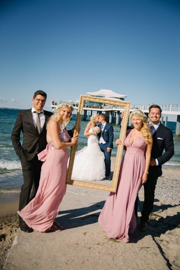 Kreative Hochzeitsfotos im Wolkenlos am Timmendorfer Strand