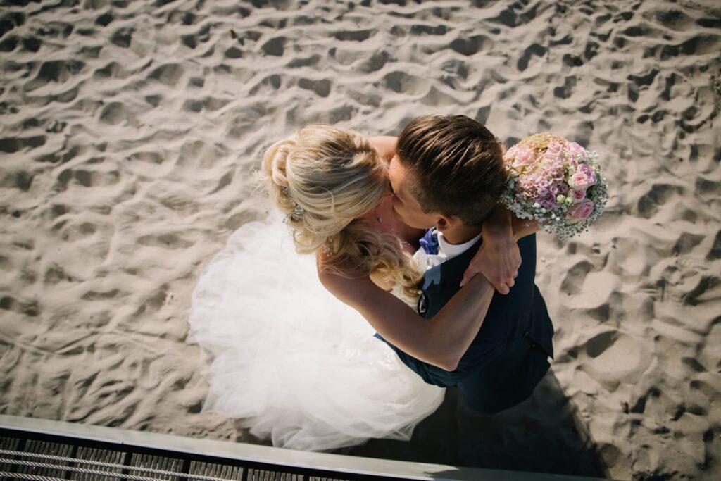 Romantische Hochzeitsfotos am Timmendorfer Strand