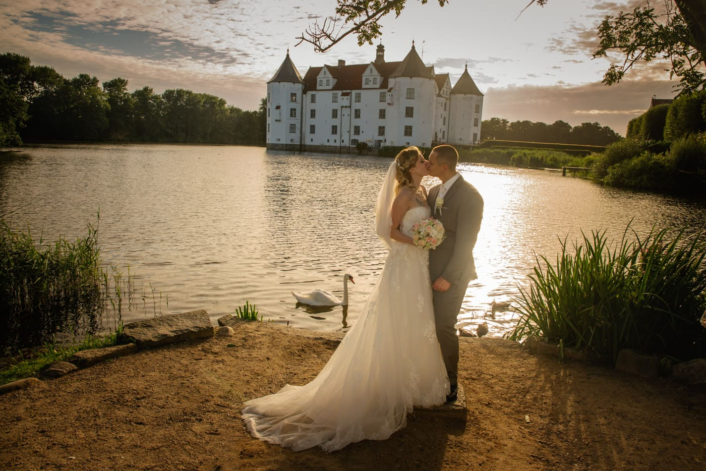 Einzigartige Hochzeitsfotografie im Schloss Glücksburg